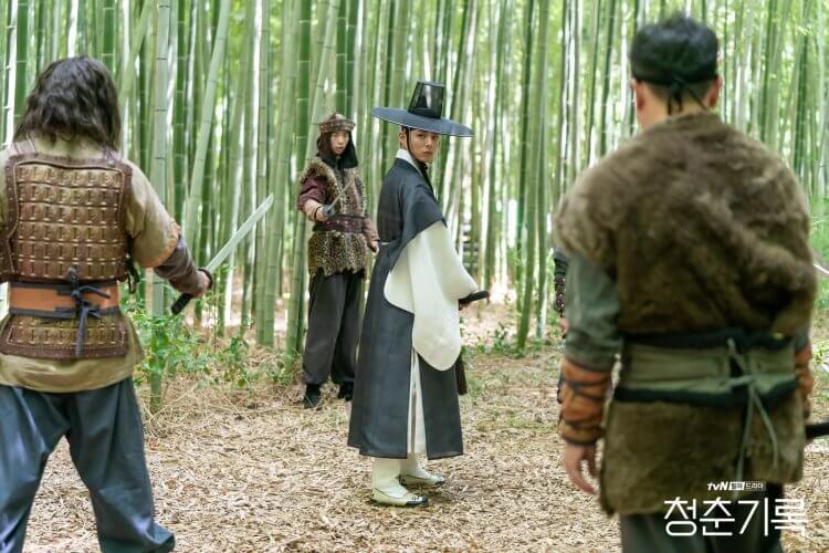 朴寶劍在《青春紀錄》中有許多戲中戲