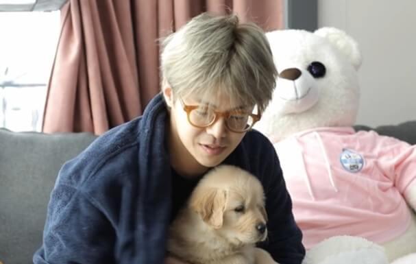 朴殷碩在《我獨自生活》中展現愛毛孩的一面