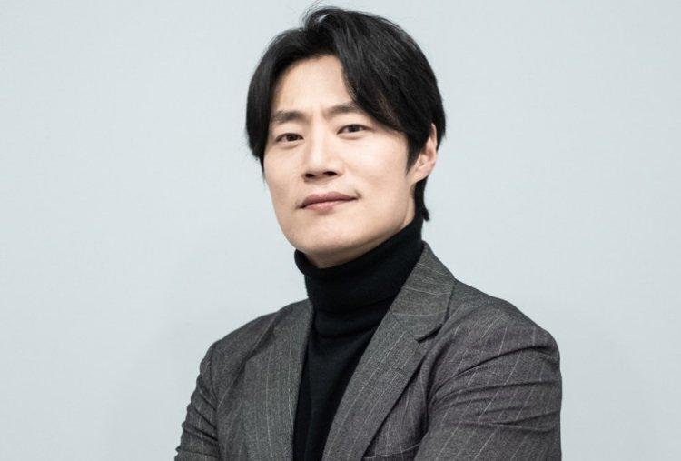 李熙俊以《南山的部長們》獲最佳男配角