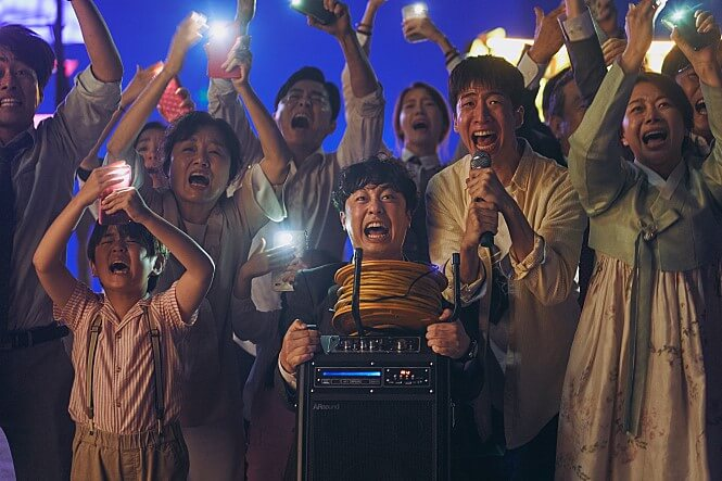 《雞不可失》團隊再推新作!韓國電影《極限逃生》(EXIT) 是結合喜劇與災難元素的動作片,已在台上映。