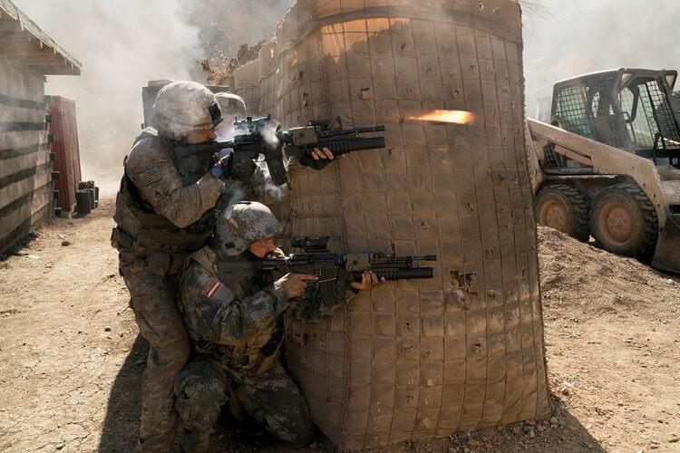 阿富汗反恐最慘烈戰役真人實事改編《72 小時前哨救援》電影劇照。