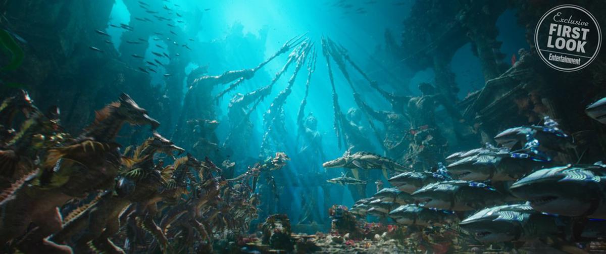 曝光的《 水行俠 》 電影 劇照 中,讓人不禁好奇劇組對於水底世界中的細節設定,角色們將會如何溝通?
