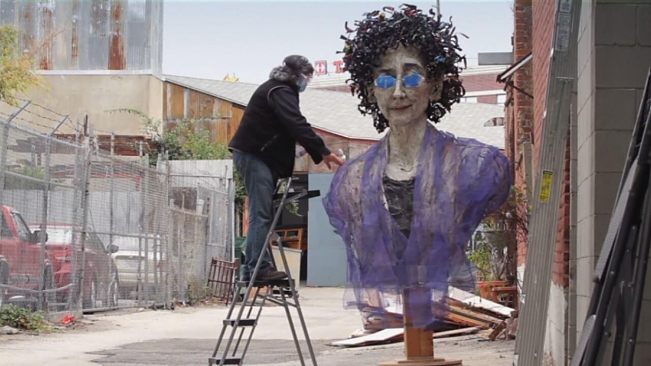 洛杉磯藝術家 明迪艾波 (Mindy Alper)