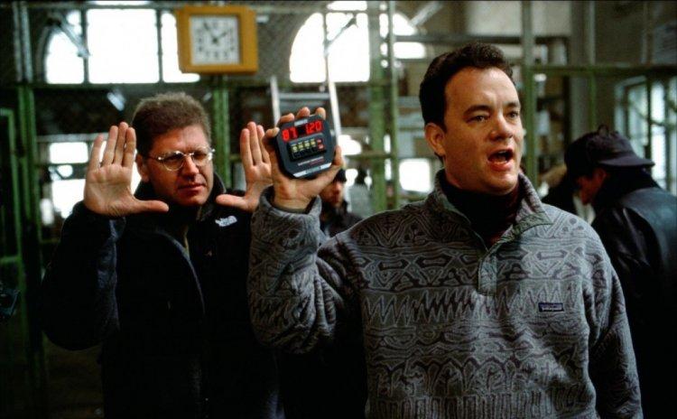《浩劫重生》勞勃辛密克斯與湯姆漢克斯。
