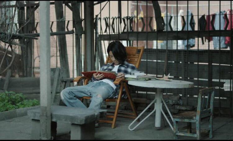 張大磊榮獲短片競賽銀熊獎的《下午過去了一半》。