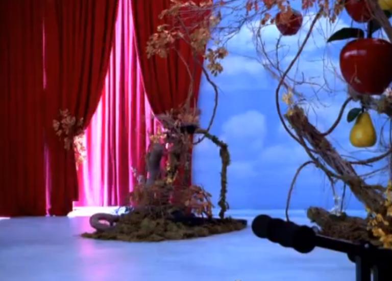 90 年代電視劇《少女女巫莎賓娜》場景。