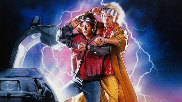 經典電影 《 回到未來 》系列。