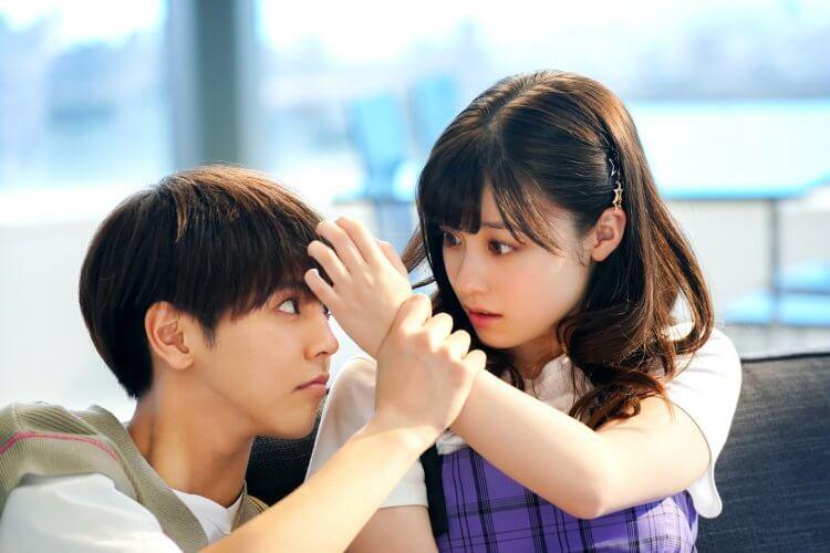 《午夜 0 時的吻》片寄涼太與橋本環奈。