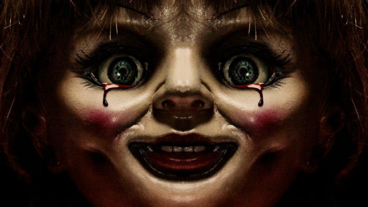 獨自看恐怖片要小心!鬼娃天后《安娜貝爾回家囉》竟然嚇死觀眾?首圖