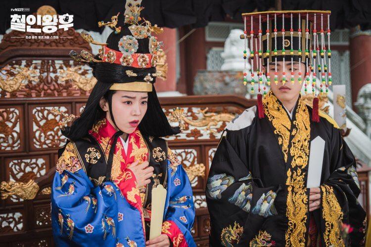 申惠善、金正賢在《哲仁皇后》裡浮誇的搞笑演技成功吸引觀眾目光