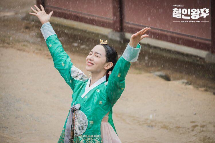 申惠善在第六集《哲仁王后》人來瘋大跳BLACKPINK舞曲