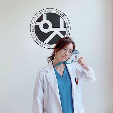 申鉉彬在演出《機智醫生生活》後人氣飆升。