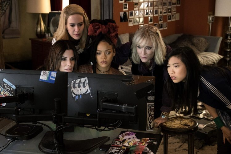 《瞞天過海:八面玲瓏》為《瞞天過海》系列電影的女性衍生外傳,由珊卓布拉克、凱特布蘭琪、安海瑟薇等人主演。