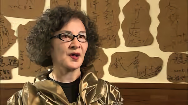 台灣首位參演東寶哥吉拉系列電影的鄭秀英女士,如今已轉往幕後發展。