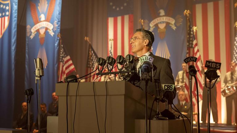 薇諾娜瑞德&約翰特托羅領銜主演影集《美國外史》即日起 HBO HD 頻道與美獨家同步首播