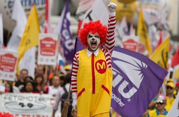 小丑工會組織對小丑的污名化表示抗議。