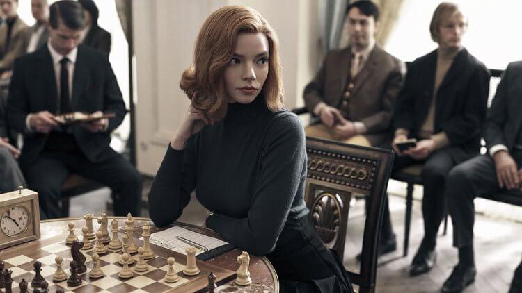 我還不看爆!Netflix 迷你影集《后翼棄兵》,看安雅泰勒喬伊邁向頂尖西洋棋手之巔首圖