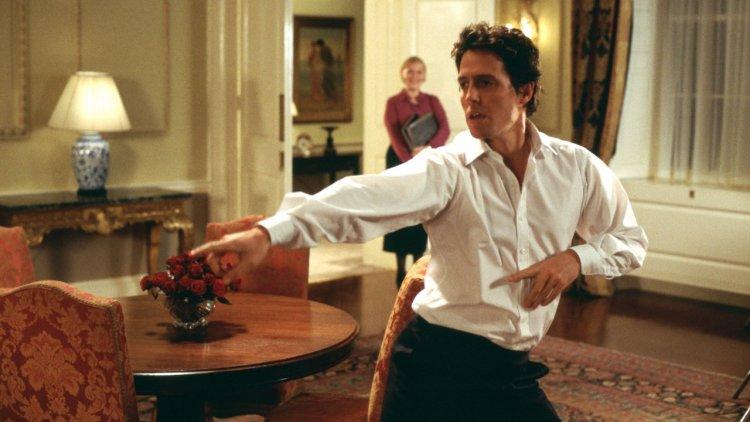 聖誕經典電影《愛是您·愛是我》卻讓男神休葛蘭超尷尬?休葛蘭:「拍攝這個橋段真的是地獄。」首圖