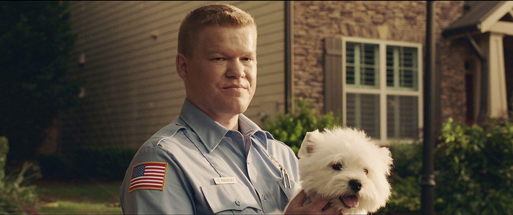 傑西普萊蒙-在《 遊戲夜殺必死 》 飾演行為怪異的警察鄰居