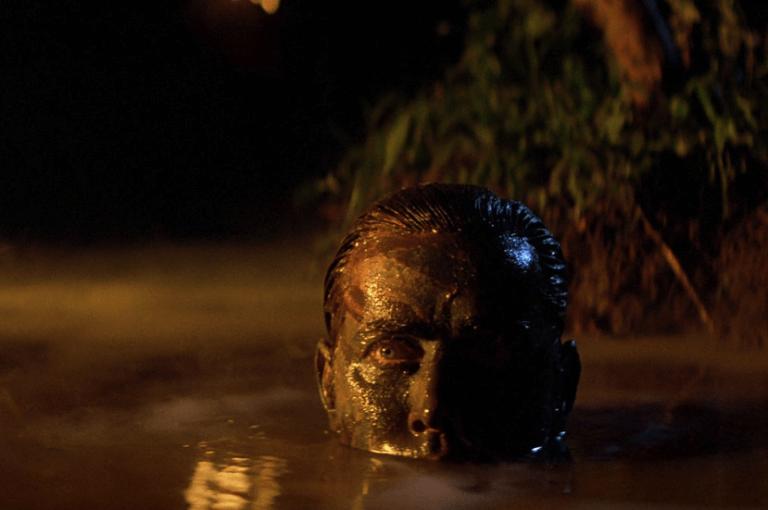 法蘭西斯柯波拉的執導風格,讓《現代啟示錄》的拍攝過程艱辛萬分, 1991 年另推出跟拍本片製作過程的紀錄片。