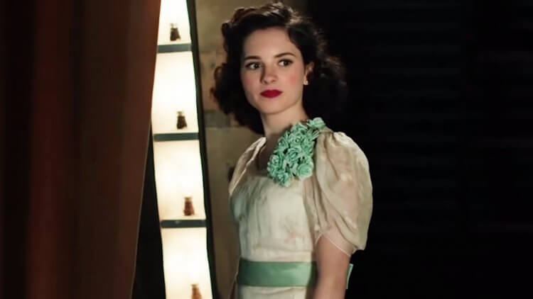 《茱蒂》(Judy) 中的年輕茱蒂嘉蘭,由 Darci Shaw 飾演
