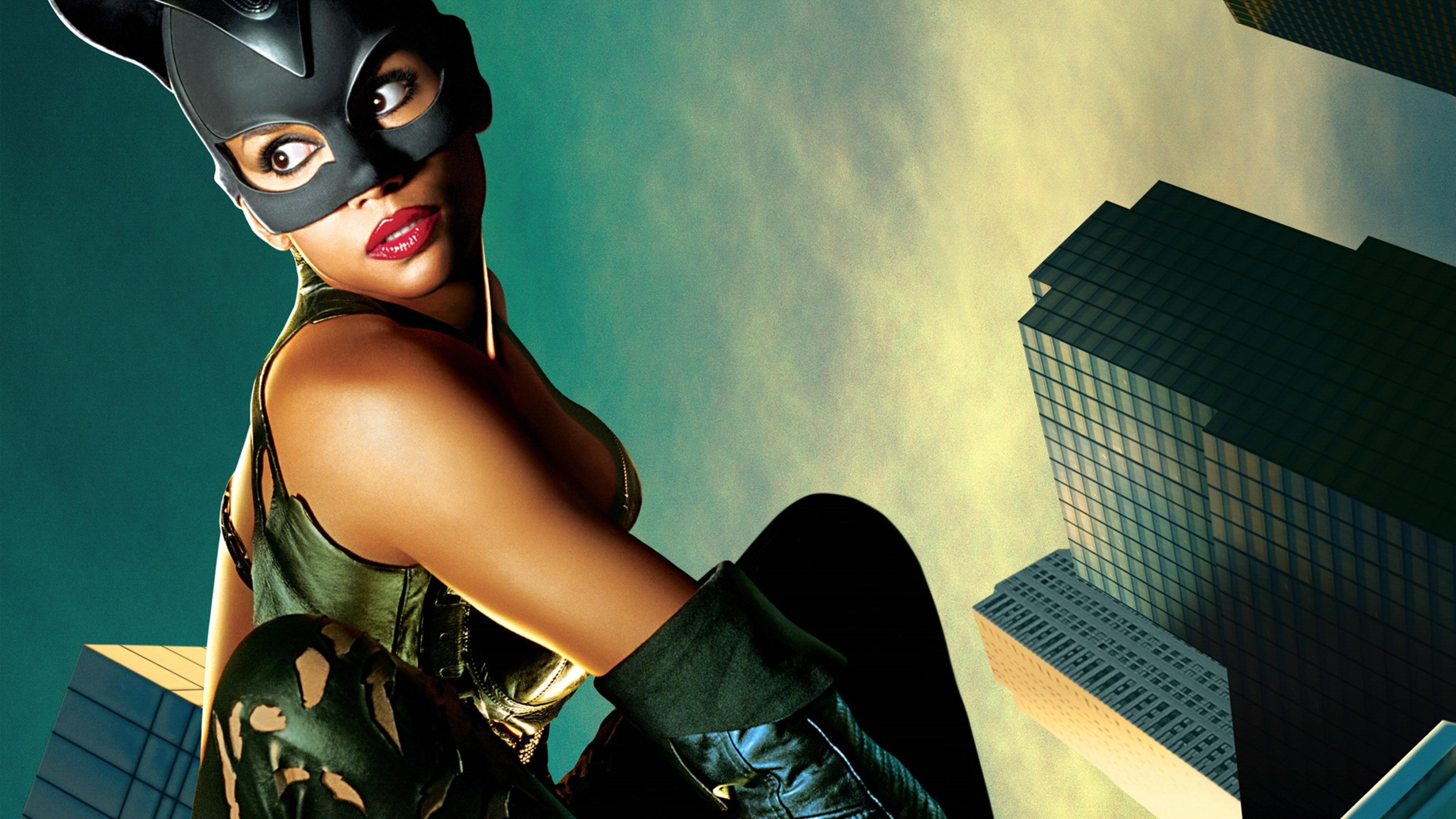 【電影背後】荷莉貝瑞:『 在每個成功的黑豹背後,都有一位更偉大的黑貓女!』