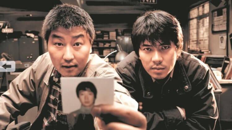 由華城連續殺人事件改編的《殺人回憶》是由《寄生上流》導演奉俊昊所執導