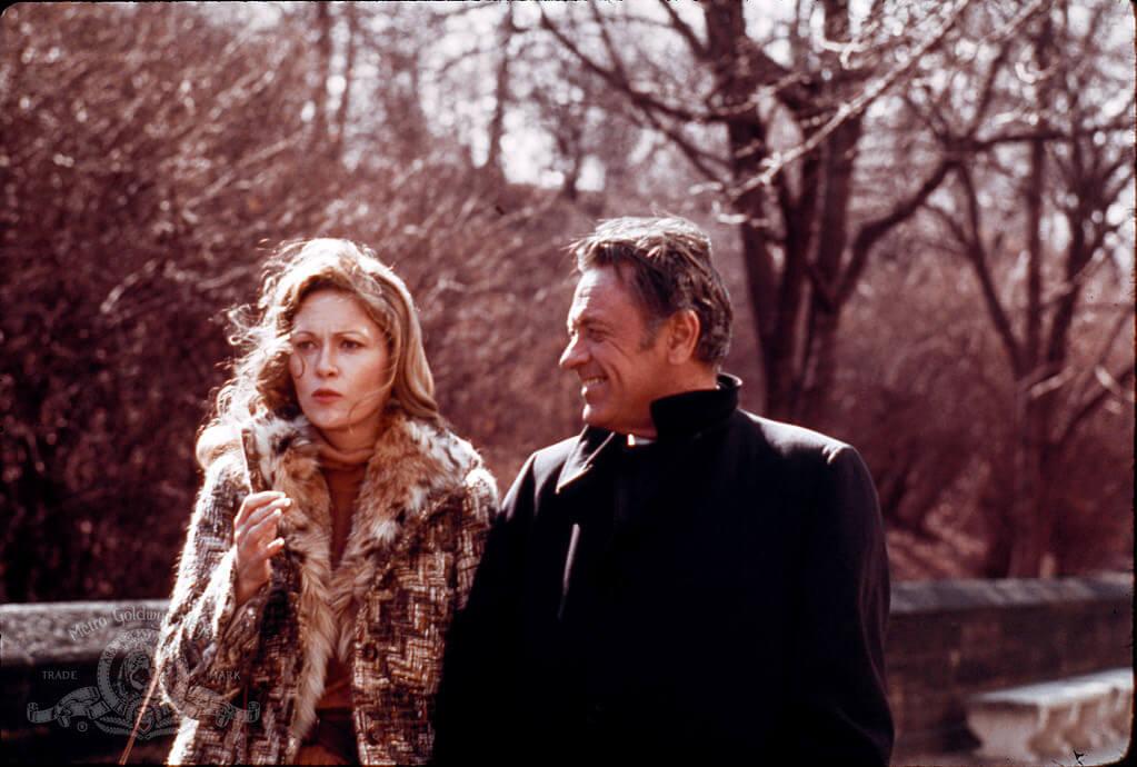 薛尼盧梅執導電影《螢光幕後》。
