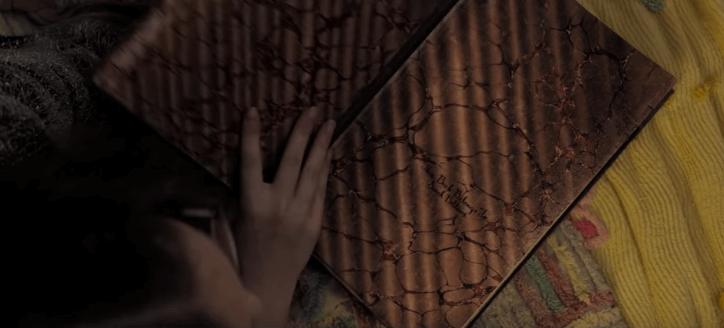 吉勒摩戴托羅監製,全球十大禁書改編的恐怖電影《在黑暗中說的鬼故事》即將在台上映。