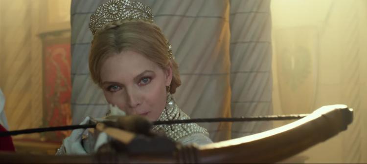 蜜雪兒菲佛在《黑魔女2》飾演皇后