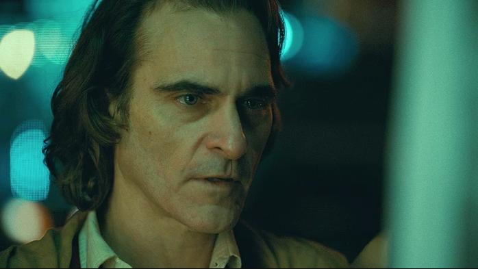由瓦昆菲尼克斯主演的《小丑》勇奪金獅獎,上映迄今的評價卻呈現兩極化的狀態。