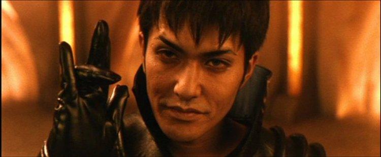 在 2004 年新世紀哥吉拉電影《哥吉拉 最後戰役》中表現亮眼的 X 星人統制官由北村一輝飾演。