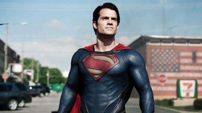 超人 (但不是亨利卡維爾)客串沙贊電影