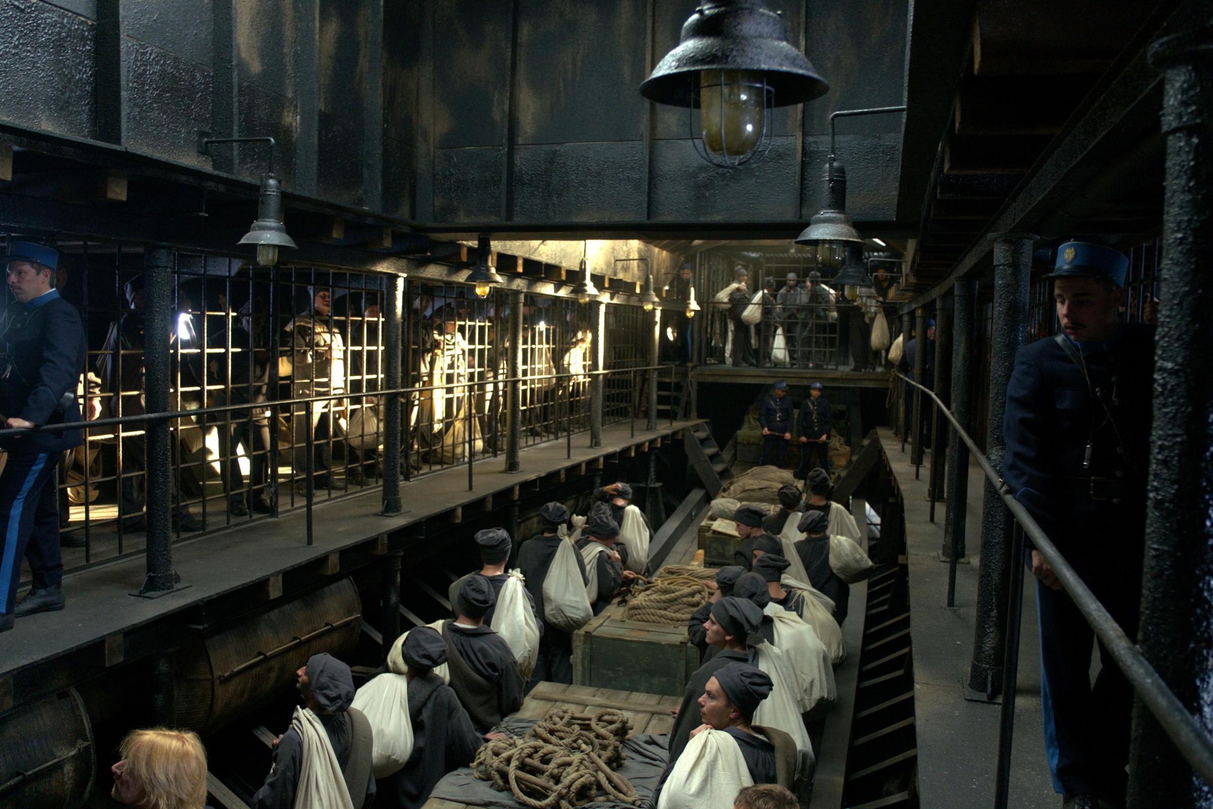 越獄電影 《 惡魔島 》逼真再現恐怖監獄場景。