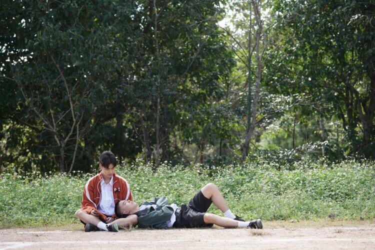以 BL 男男戀為題材的泰國電影《這一次不再錯過你》(Dew) 改編自韓國作品《高空彈跳》,兩位青澀男孩的情誼在長大成人後又將如何展開?