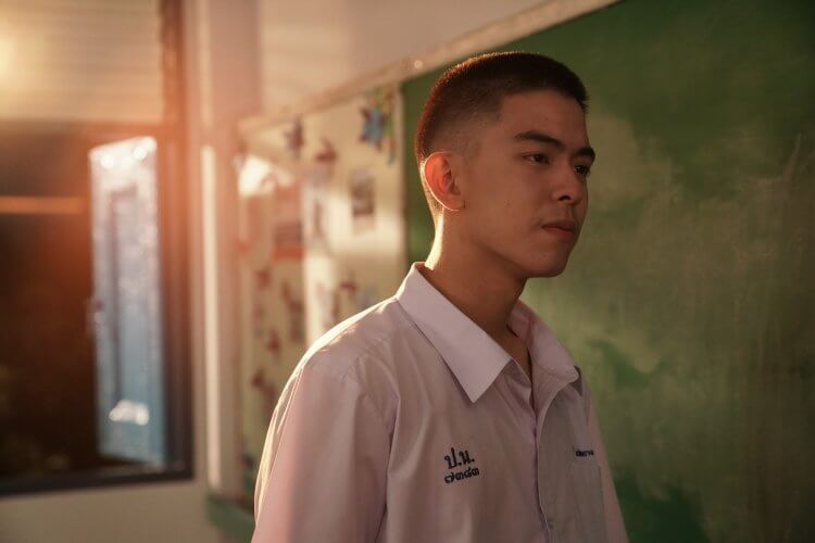 泰國新生代演員 Sadanont Durongkaweroj,在男男同志戀愛電影《這一次不再錯過你》中嶄露頭角演出,博得高度注目。
