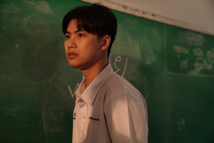 小名「Ohm」的泰國男演員 Pawat Chittsawangdee,在電影《這一次不再錯過你》詮釋青澀曖昧的男男戀人。