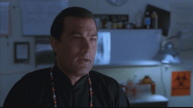 感恩席格,讚歎席格──《魔鬼尖兵》中的史蒂芬席格看起來就像一位密宗師父。