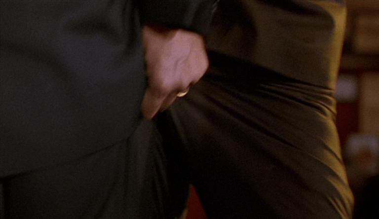 還記得我們【電影背後】這就是偉大的動作天王史蒂芬席格系列介紹過的「席格三神器」嗎?