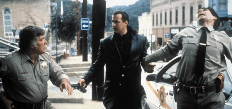 史蒂芬席格與華納影業合約的最後一支片:《烈火戰將》。