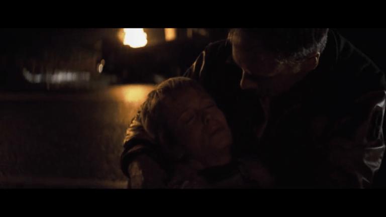 布魯斯威利飾演的大衛杜恩在奈沙馬蘭的驚悚超級英雄電影三部曲《驚心動魄》中,發現自己和旁人的「不一樣」。