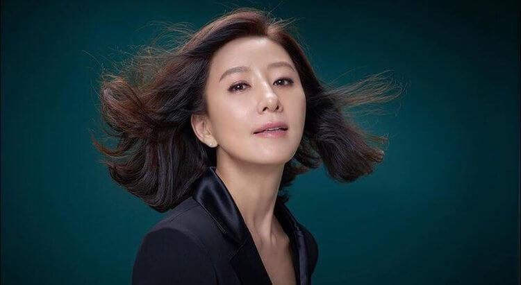 金喜愛榮獲韓國網友票選為2020年最喜愛女演員