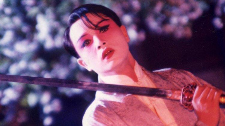 我本是男兒郎!張國榮逝世17周年《霸王別姬》重返大銀幕,看哥哥詮釋「不瘋魔,不成活」的程蝶衣首圖