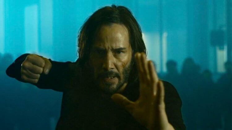《駭客任務:復活》官網驚喜釋出互動式前導影片!選擇紅、藍藥丸,可觀看多達十八萬種「預告畫面」組合首圖