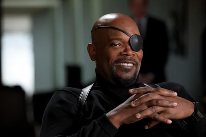 透過特殊化妝與頂尖特效, 山繆傑克森 將減齡 25 歲演出《 驚奇隊長 》中的年輕 尼克福瑞 。