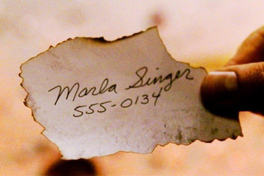《鬥陣俱樂部》電影中出現的電話號碼。