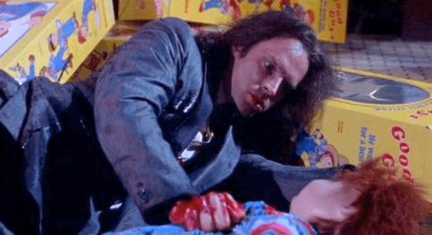 當年飾演殺人魔的 布萊德杜瑞夫,後來也持續為 恰吉 配音 。