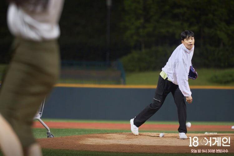 魏河俊在《重返18歲》飾演棒球選手禮志勳