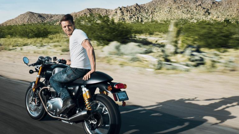 傑瑞米雷納也是諸多喜愛重車的好萊塢大明星之一。