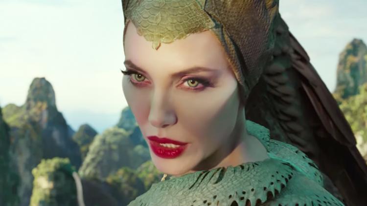 《黑魔女 2》正式預告公開 安潔莉娜裘莉對戰新皇后,捍衛魔法世界!首圖